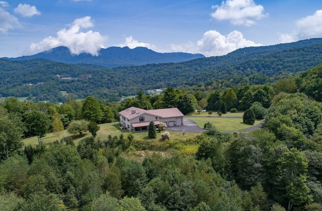 Sugar Mountain vacation house silent auction